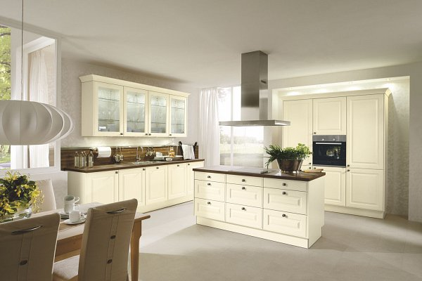 Charmant Classic Kitchens